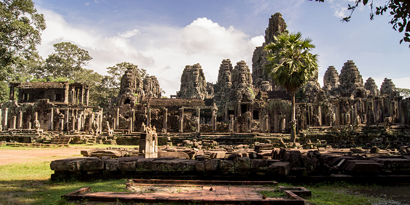 Overview Tour to Angkor Wat, Angkor Thom and Ta Prohm